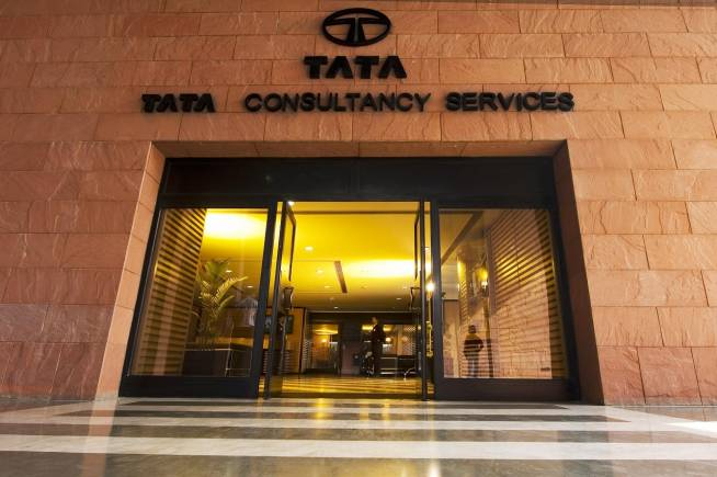 TCS Q2: Macro headwinds come to the fore, wait for downside to play out