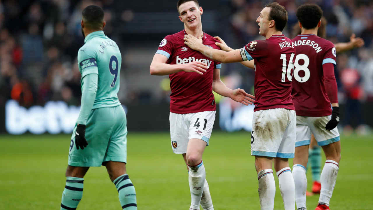 West Ham United 1 - 0 Arsenal |Declan Rice's maiden goal in West Ham United shirt helped his team defeat London rivals Arsenal at the London Stadium. Rice scored the goal in the 40th minute to give the Hammers the lead. Arsenal came close on multiple occasions to score an equalizer but their forward line lacked the finishing touch on the day. The victory takes West Ham to eighth place -- level on points with Leicester in seventh and Arsenal remain outside the top four. (Image: Reuters)