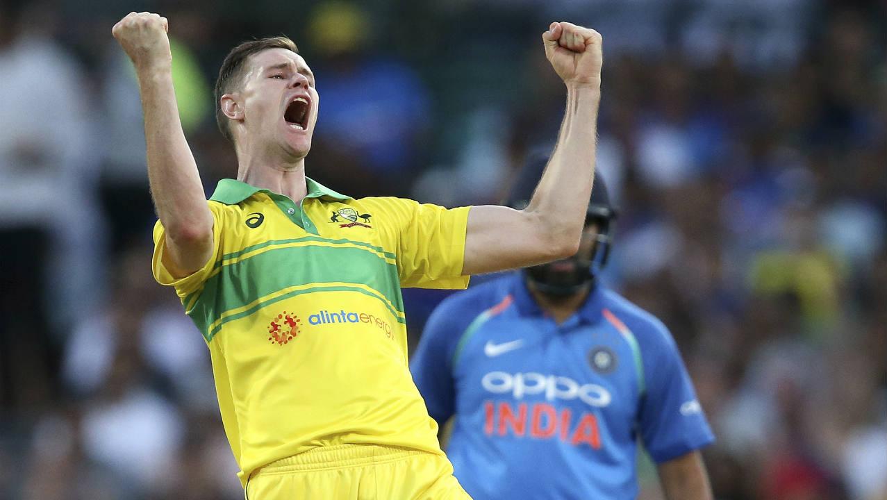 india vs australia 1st odi, jason behrendorff scalps ms dhoni