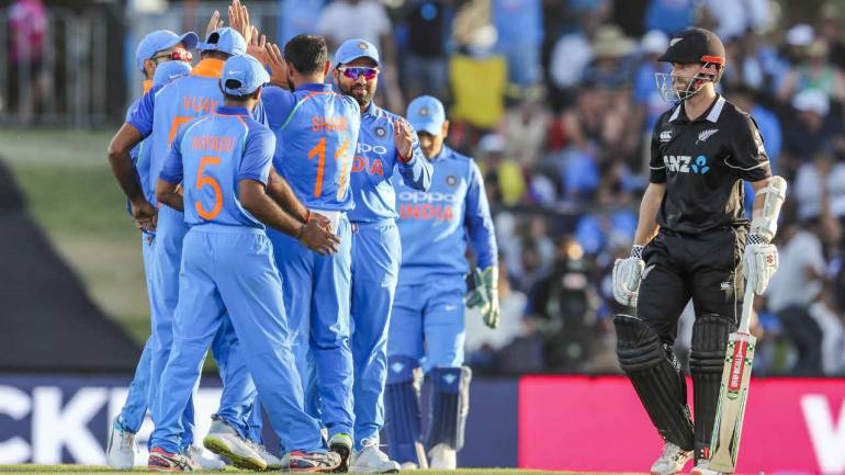 Ind Vs Nz 2nd Odi Republic Day Gift As India Crush New Zealand By 90 Runs