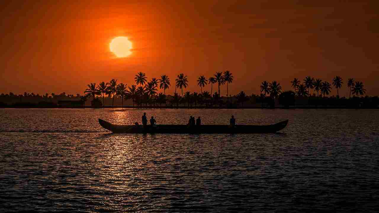 1) Kerala | Average life expectancy- 75.1 years, male life expectancy – 72.2 years, female life expectancy – 79.9 years (Source: Pixabay)