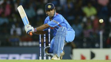 IND vs AUS: You cannot calculate Dhoni's value, Gavaskar