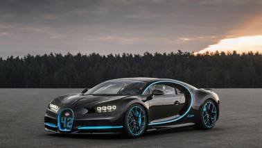 Bugatti pays homage to the EB110 with the Centodieci