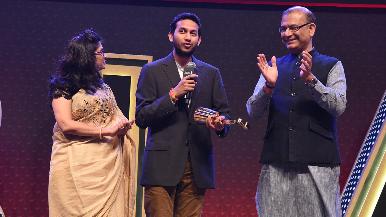 OYO Founder Ritesh Agarwal receives Young Turk of the Year award