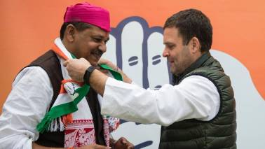 Cricketer-turned-politician Kirti Azad joins Congress