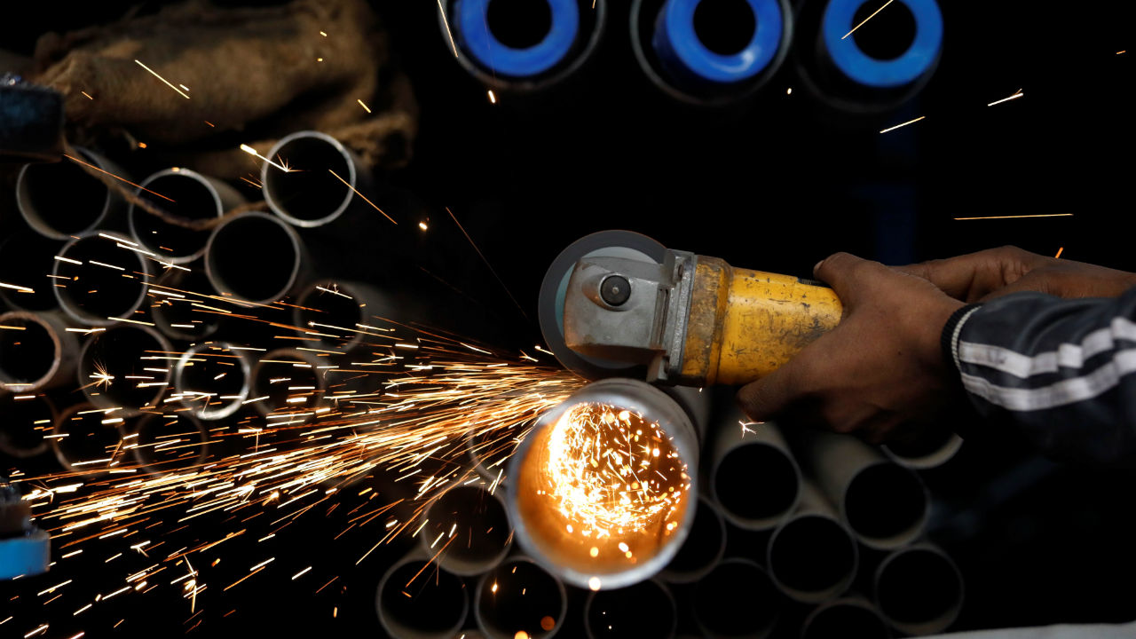 India's Gross Domestic Product slowed down to 5 percent to a 6-year low in the June quarter. Consumption collapsed to an 18-quarter low of 3.1 percent from 10.6 percent in the March quarter. Appreciation of investment in share market has stagnated as the Sensex posted a drop of 3 percent during the last two years (Image: Moneycontrol)
