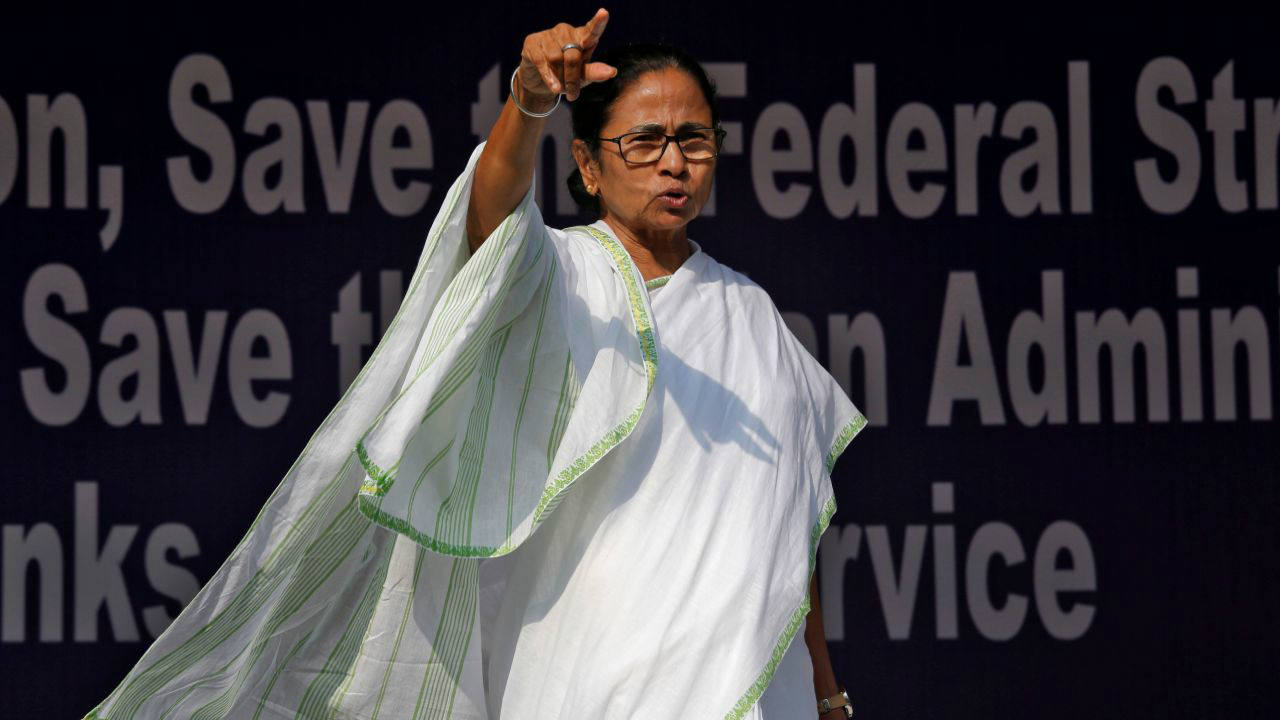 West Bengal Chief Minister Mamata Banerjee's sit-in against the CBI's attempt to question the Kolkata Police chief Rajeev Kumar in connection with chit fund scams continued for the third day on February 5. (Reuters)
