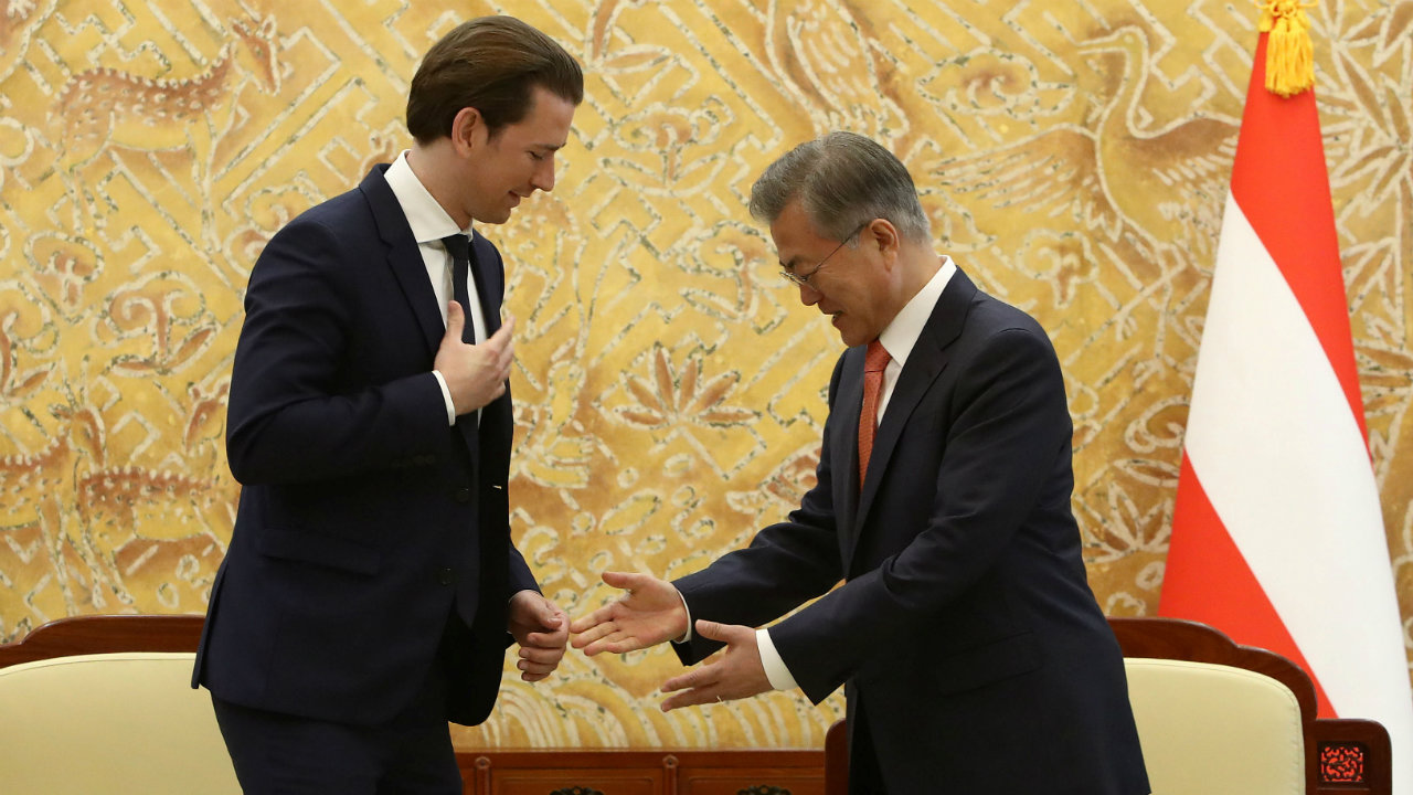 South Korean President Moon Jae-In (R) attends with Austria's Chancellor Sebastian Kurz (L) during a meeting at the Presidential Blue House in Seoul, South Korea. (Image: Reuters)