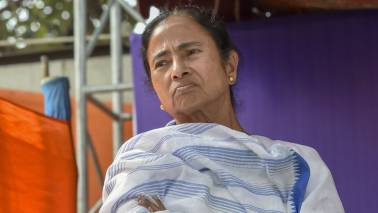 Protesting doctors turn down Mamata's invite for talks, say CM has to apologise first