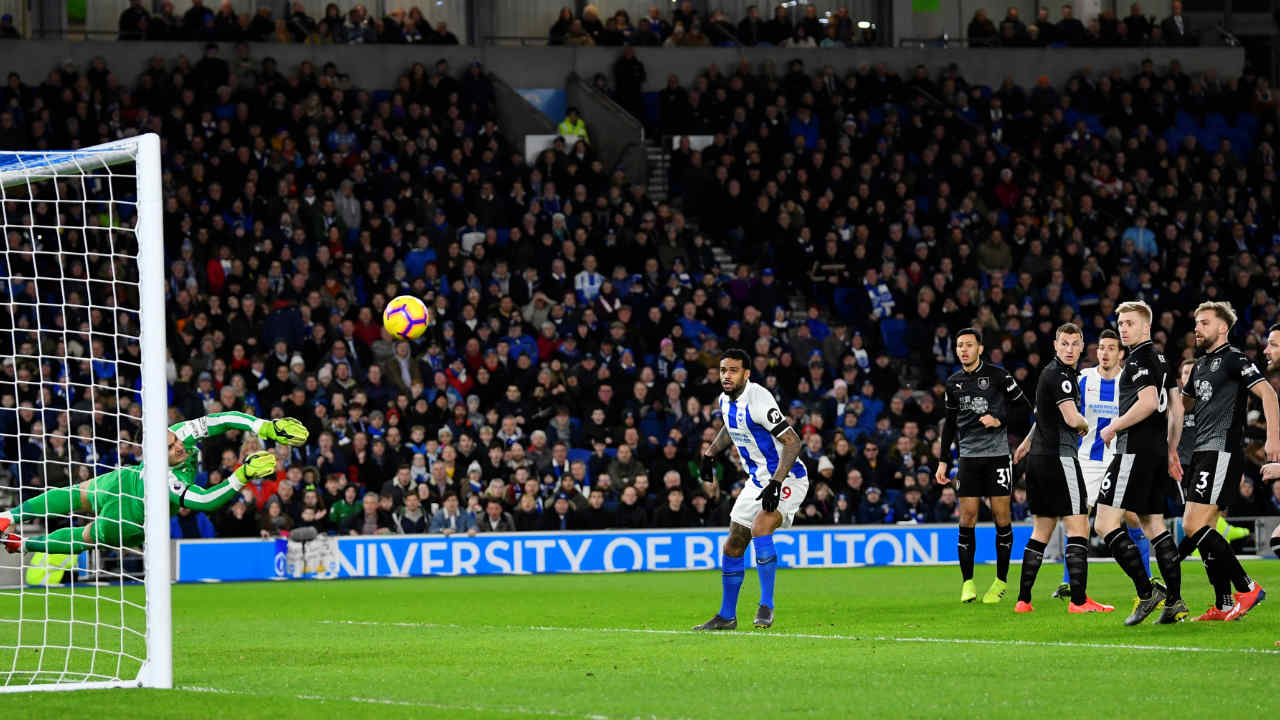 Brighton & Hove Albion 1 – 3 Burnley | Chris Wood scored twice and Ashley Barnes scored from the spot as Burnley extended their unbeaten run in the league to seven games. Shane Duffy pulled one back when he headed home in the 76th minute but Brighton struggled to score against Tom Heaton who put in another exceptional performance in goal for The Clarets. (Image: Reuters)