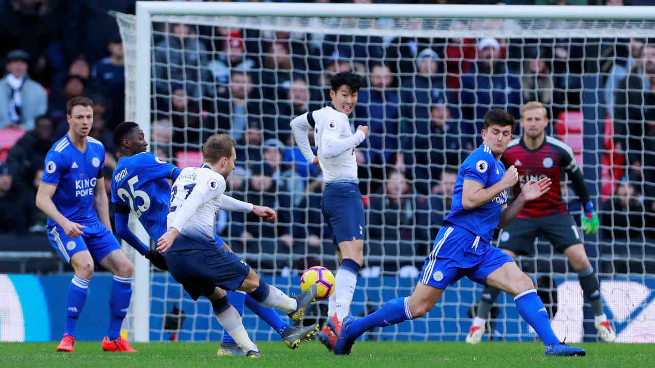 Tottenham Hotspur 3 – 1 Leicester City | Spurs consolidated their hold on third place with a hard fought victory against The Foxes. Christian Eriksen provided an accurate cross for Davison Sanchez to open the scoring in the 33rd minute. Jamie Vardy came off the bench to take a penalty in the 60th minute but was denied from restoring parity by Hugo Lloris. Eriksen then doubled the lead just 3 minutes later before Vardy pulled one back in the 76th minute to set up a tense finish. However, Son Heung-Min made sure of all three points with a stoppage time goal. (Image: Reuters)