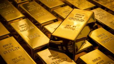 Gold firms above $1,280 as weak US data rekindles rate cut hopes