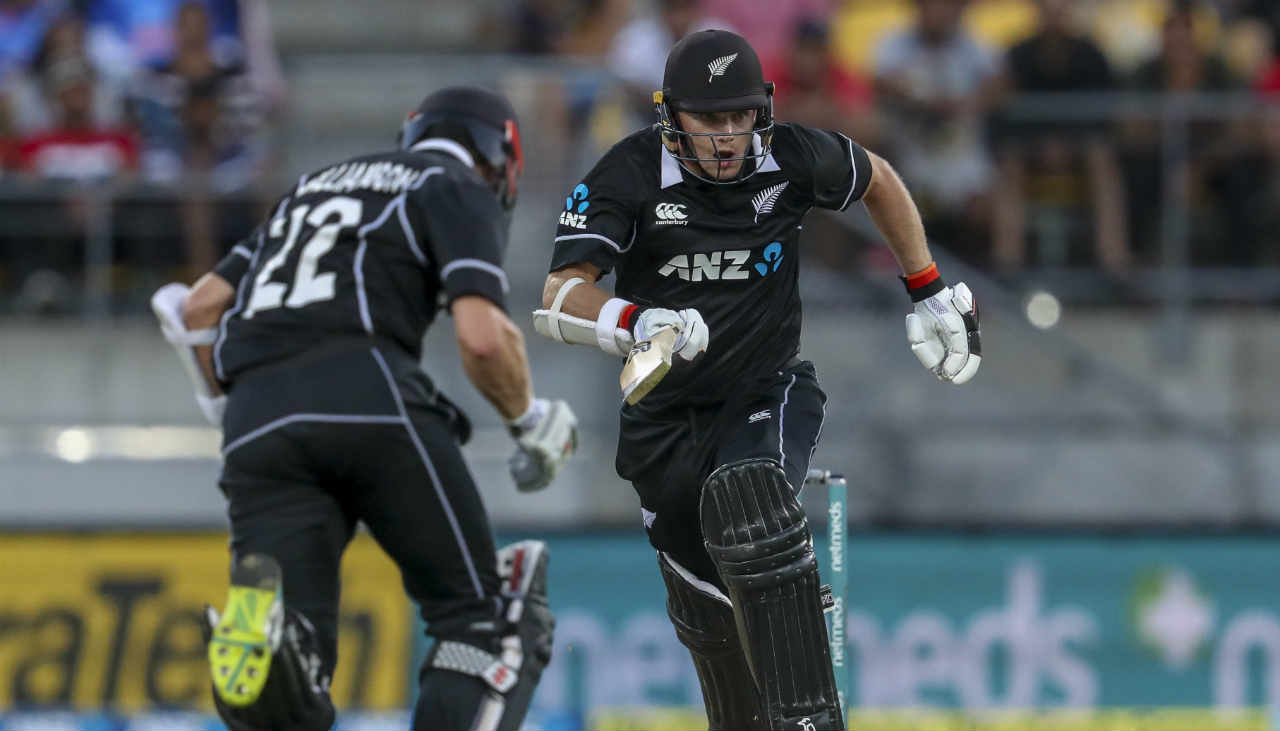 Williamson and Tom Latham controlled the NZ chase and put on a promising stand of 67 runs. The Blackcaps skipper though threw his wicket when he pulled a delivery from Kedar to Dhawan standing at at deep mid-wicket. Williamson made a patient 39 off 73 balls. NZ were reduced to 105/4 when Williamson was dismissed. (Image: AP)