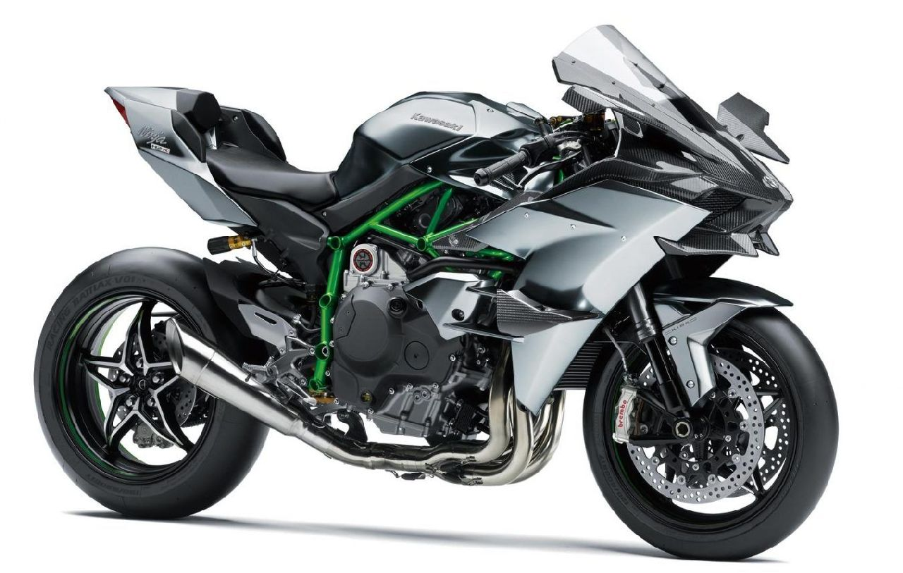 The Ninja H2R holds the title of the most powerful production bike on sale and features a 998cc supercharged inline-four engine capable of producing a humongous 310 PS at 14,000 rpm which is further boosted to 326 PS with Ram Air intake and a mind-melting 165 Nm of peak torque at 12,500 rpm. (Image source: Kawasaki)
