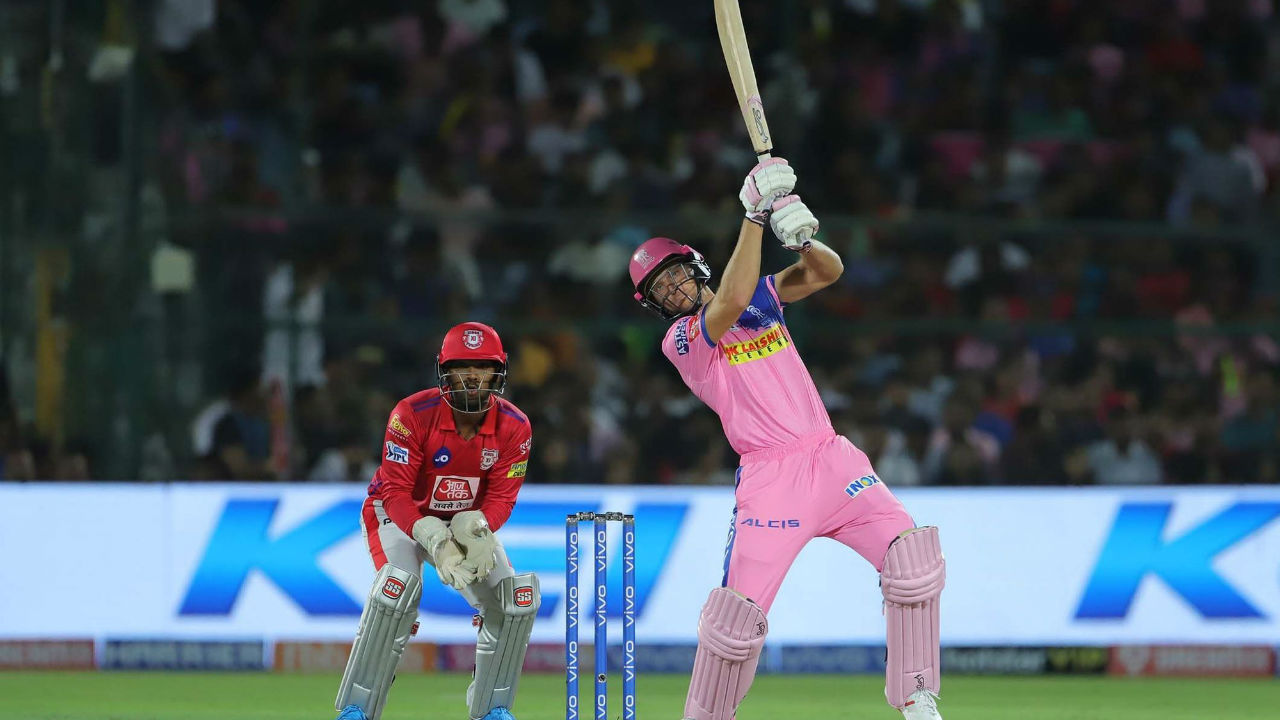 Buttler looked in groove and matched Gayle in playing big shots. He completed his fifty in the 8th over off just 29 balls. (Image: BCCI, iplt20.com)