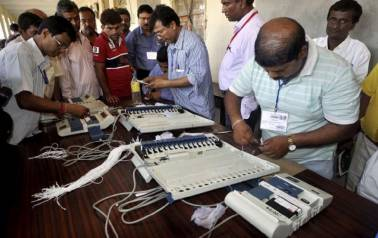 EVM glitches in many places as voting for Lok Sabha, Assembly polls begins in Andhra Pradesh