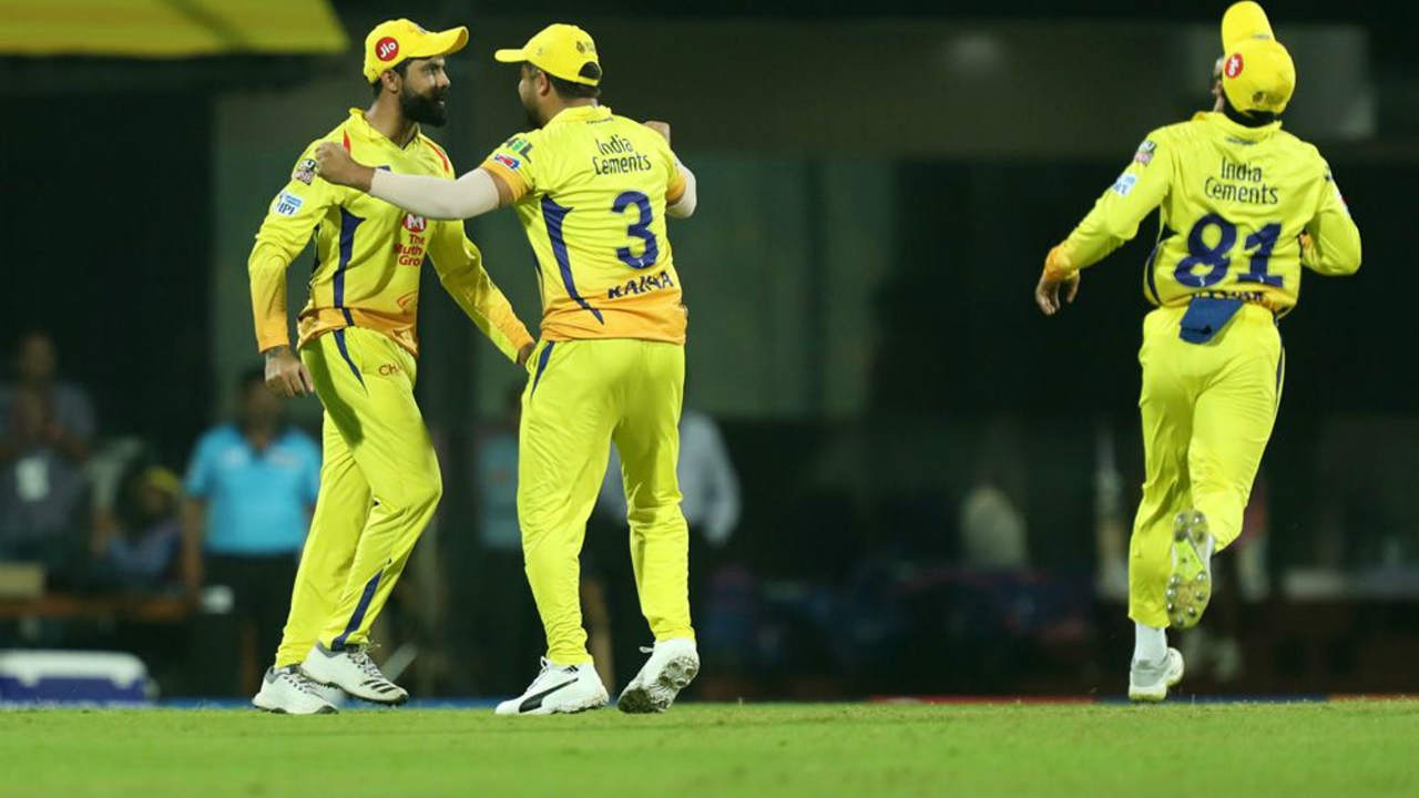 CSK started its defence in style as they sent back Rahane on a duck in just the first over of RR's innings. RR's hero of its last match Sanju Samon and Sanju Samson soon followed Rahane as RR were reeling at 15/3.