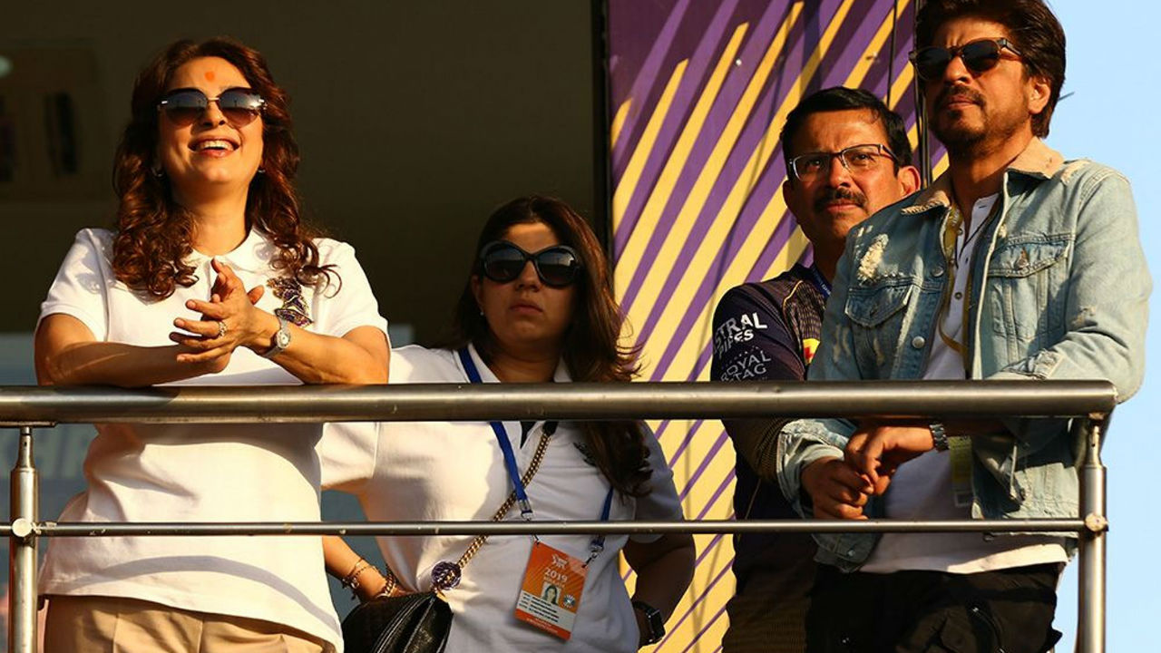 The Eden Garden crowd was treated with the sight of KKR co-owners and Bollywood stalwarts Shahrukh Khan and Juhi Chawla.