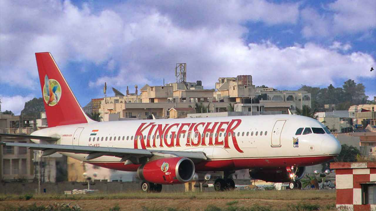 Kingfisher Airlines | 2005-2013 | Founded by liquor baron Vijay Mallya, Kingfisher was based in India, even though 50 percent stake rested with United Breweries Group of the UK. The airline ran consistent losses since it was launched, which caught up with it in 2012. Mallya fled to the UK to dodge creditors. (Image: Wikimedia)