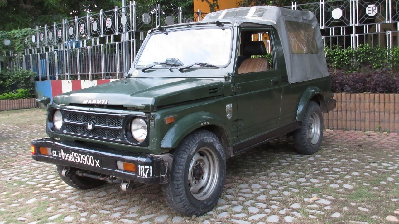 In international markets, however, the Gypsy with the name Suzuki Jimny still continues to sell. The basic reason for pulling the plug on this iconic two door off-roader is because of its inability to meet the crash test norms. Maruti would have to bear huge upgradation costs in accordance with the BS-VI norms. (Image source: Wikimedia Commons)