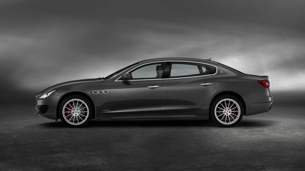 It is powered by a 3.0-litre V6 turbo-diesel engine which uses AdBlue technology. The Diesel exhaust system of the Quattroporte features Active Sound technology that produces the trademark Maserati sound.
