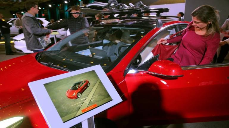 Tesla: China suspends customs clearance for Model 3 vehicle