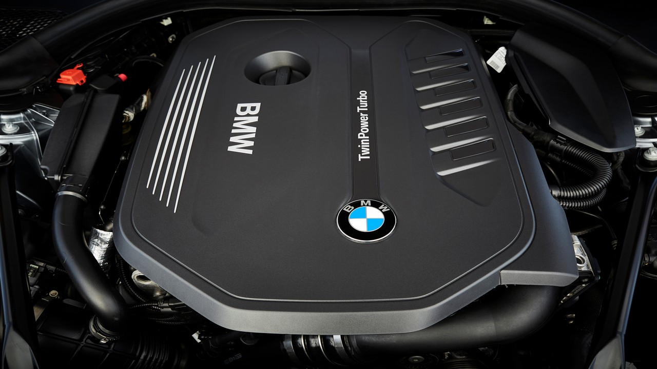 The two-litre, four-cylinder petrol engine belonging to the BMW EfficientDynamics family has the BMW TwinPower Turbo technology. It makes 252BHP of maximum power and 350Nm of peak torque. It can take the car to 100 kmph from a standstill in 6.2 seconds.