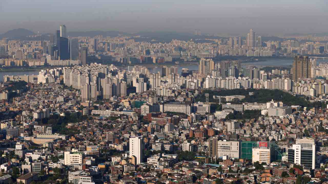 7. South Korea | UHNWI in 2018: 1,893 | Projected UHNWI in 2023: 2,456 | % Growth (2018-2023): 30% (Image: Reuters)