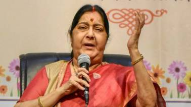 Sushma Swaraj saves man from being trolled over broken English, wins the internet