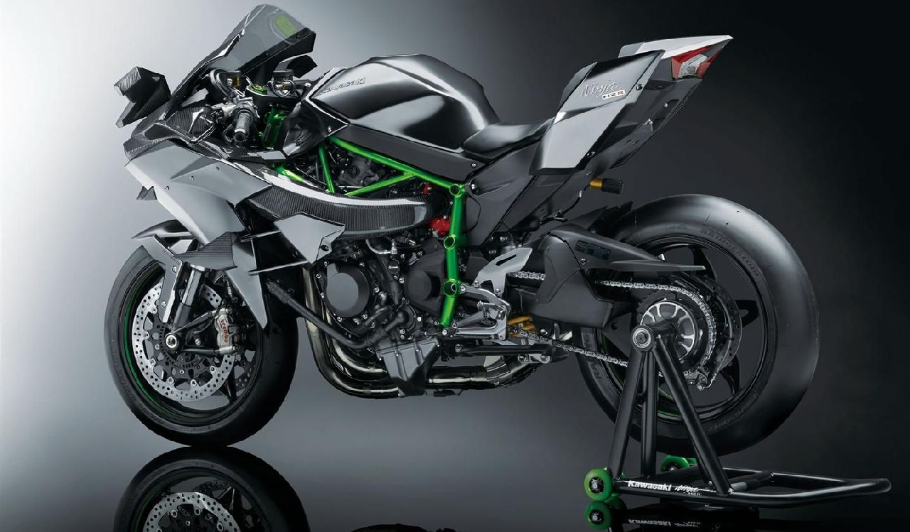 Meet Kawasaki Ninja H2r Only One Unit Of This Bike Comes To India