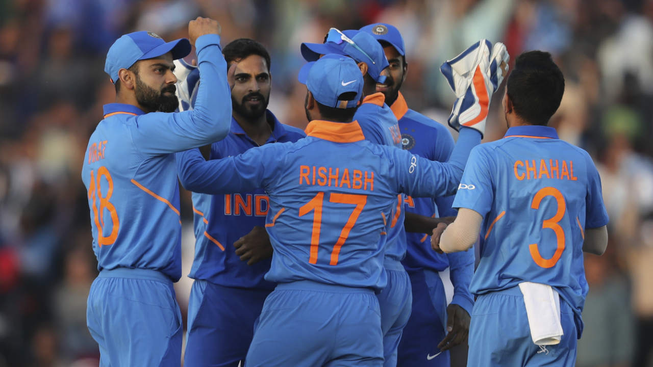 India got off to a brilliant start as Bhuvneshwar sent back Aussie captain Finch for a duck in the very first over. Bumrah then struck with a brilliant pacy yorker to castle Shaun Marsh in the 4th over. Australia were reduced to 12/2 inside 4 overs. (Image: AP)