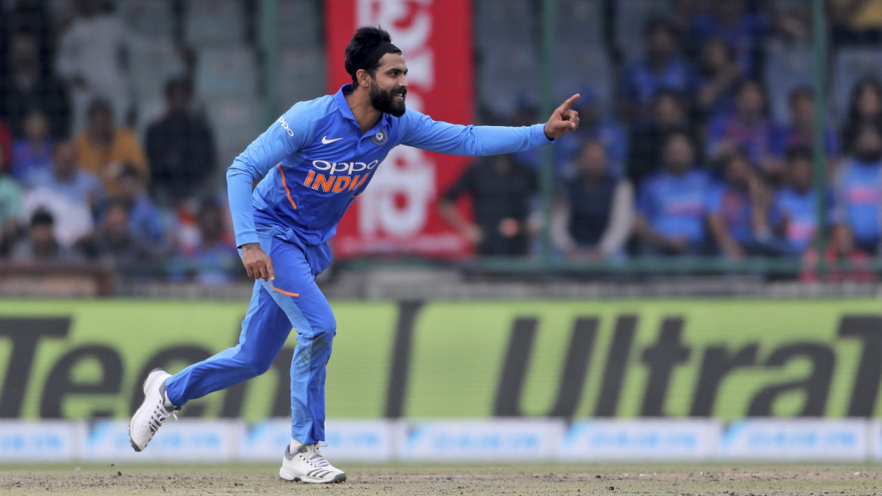 Jadeja finally got the breakthrough in the 15th over when he castled Finch (27 off 42 balls). Finch got forward to defend but the ball spun past the outside edge to upset the off-stump. (Image: AP)