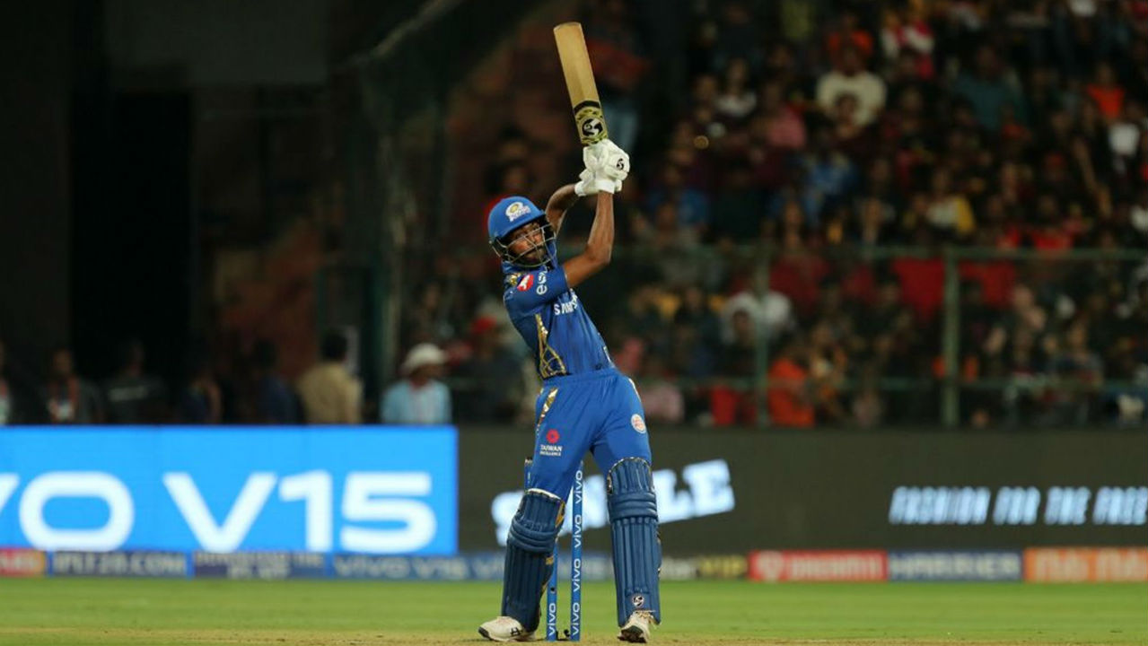 Krunal Pandya and Mitchell McClenaghan managed to score just 1 run each before they were dismissed in quick succession but Hardik Pandya then decided to take on the bowlers and finished unbeaten with 32 off 14 balls taking MI to 187/8 after 20 overs. (Image: BCCI, iplt20.com)