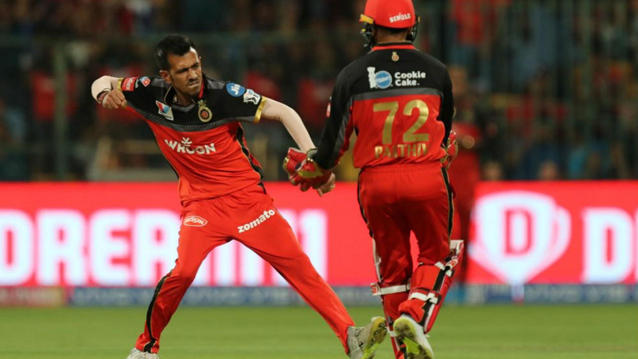 Quinton de Kock and Rohit Sharma got Mumbai off to a quick start reaching the 50-run mark from just 36 balls. The partnership ended soon after when Yuzvendra Chahal castled de Kock in the 7th over. (Image: BCCI, iplt20.com)