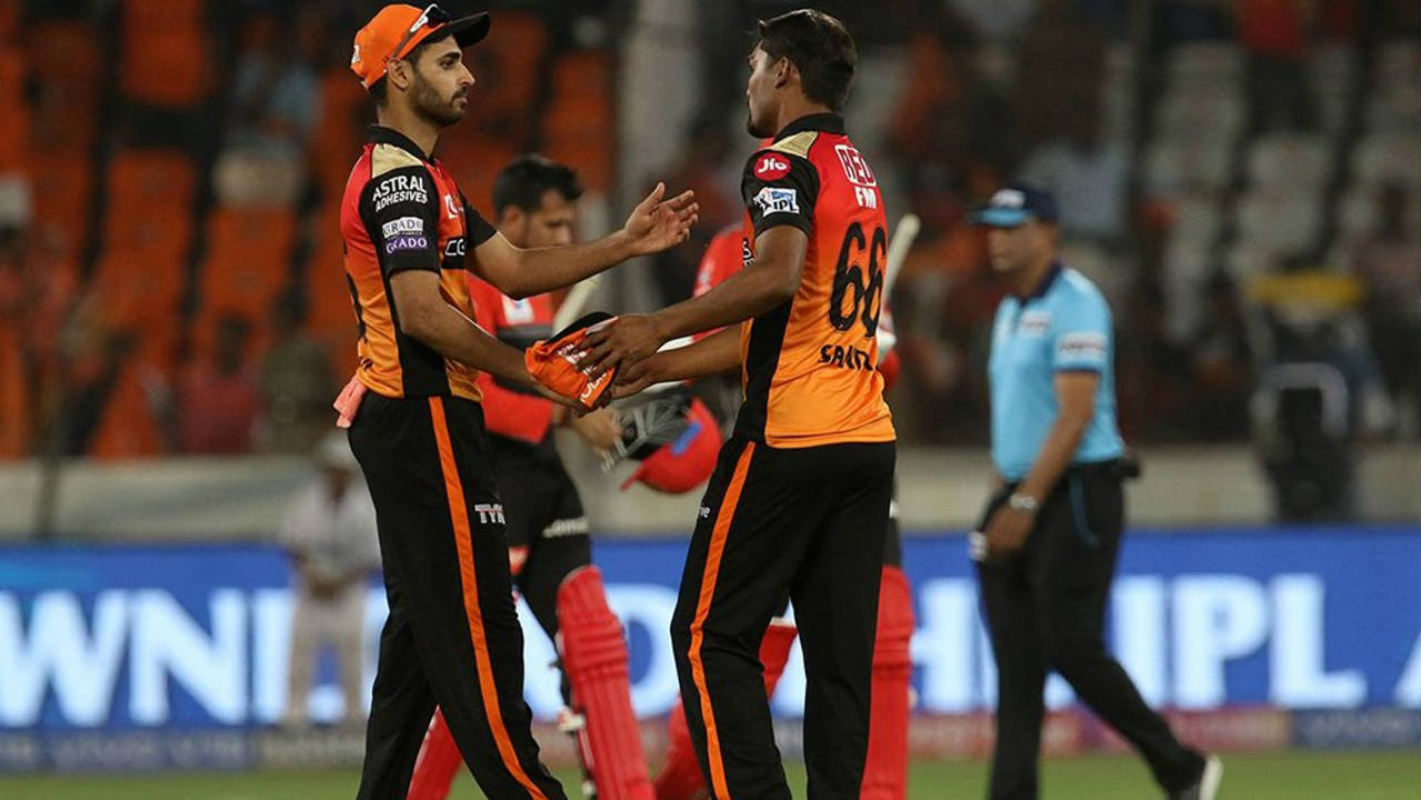 Umesh Yadav and de Grandhomme were run out on consecutive overs and Sandeep Sharma scalped Chahal in the final over to cap off a dominant 118-run victory for the Sunrisers. Sharma finished with figures of 3/19 and barring Parthiv (11), de Grandhome (37), Barman (19) and Umesh (14) none of the other RCB batsmen managed to reach double figures. (Image: BCCI, iplt20.com)