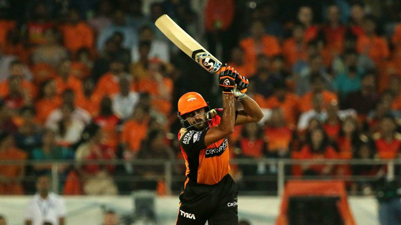 Kane Williamson and Vijay Shankar then added 47 runs off 21 balls for the third wicket. The partnership was broken by Jaydev Unadkat who got Williamson caught out in the 15th over. The SRH skipper departed with 14 runs to his name. (Image: BCCI, iplt20.com)