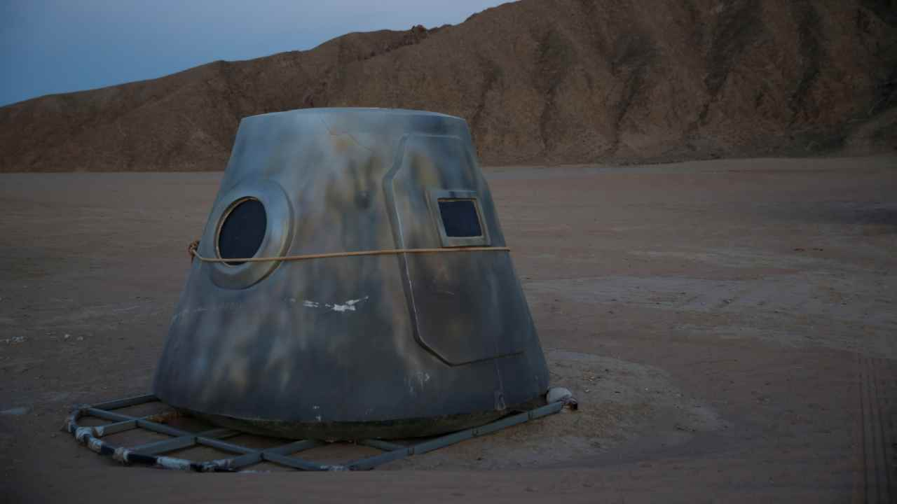 A mock space capsule of the C-Space Project Mars simulation base is seen at dusk in the Gobi Desert outside Jinchang, Gansu Province, China. (Image: Reuters)