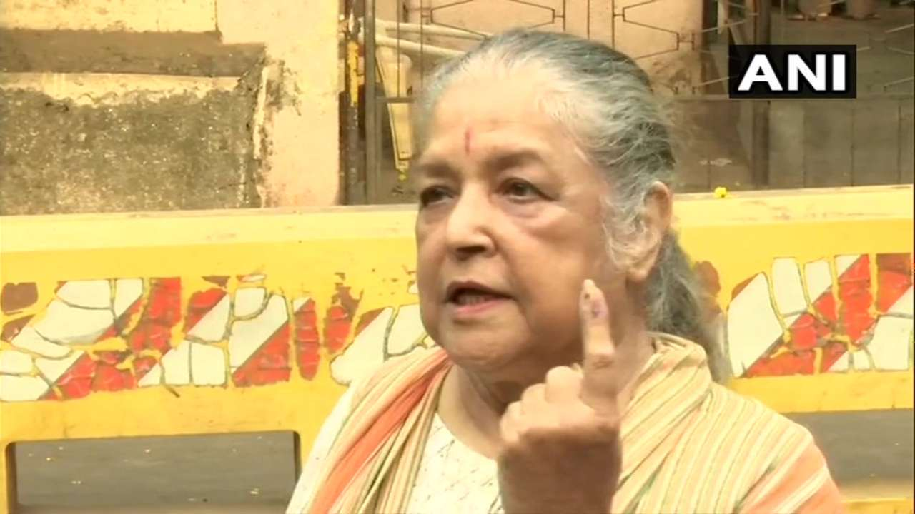Veteran actress Shubha Khote after casting her vote at a polling booth in Juhu, in Phase 4 of Lok Sabha elections. (Image: ANI)