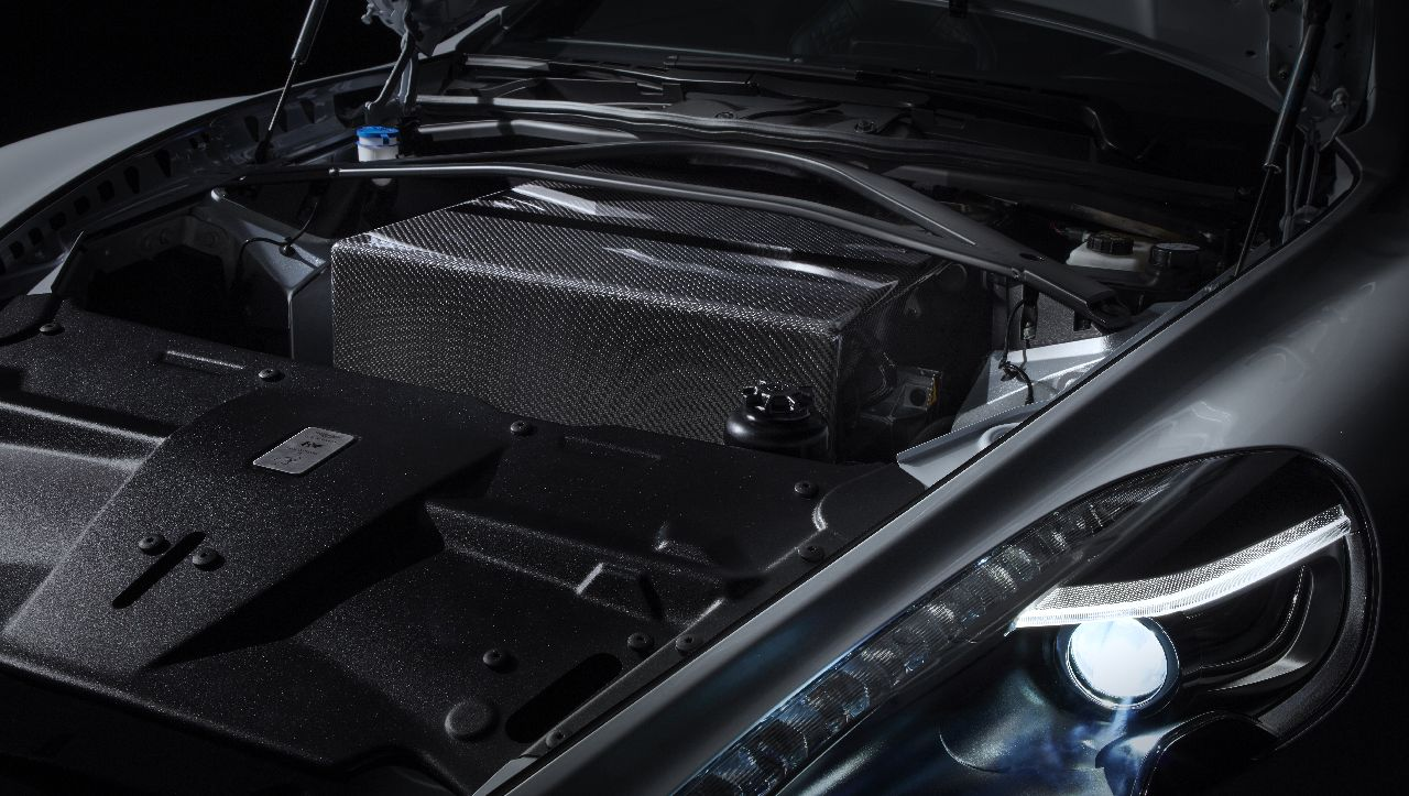 The motors themselves are powered by a bespoke 800 volt battery pack encased in carbon fibre and Kevlar. This battery pack uses over 5,600 lithium-ion 18650 format batteries. (Image source: Aston Martin)