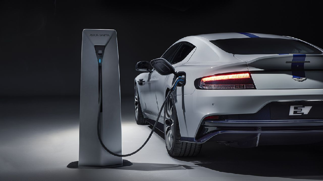 Aston Martin also says that the 800 volt system allows for better charging and also much better thermal characteristics. Range comes in at 322 km on a full tank of battery with a recharge time of about three hours. (Image source: Aston Martin)