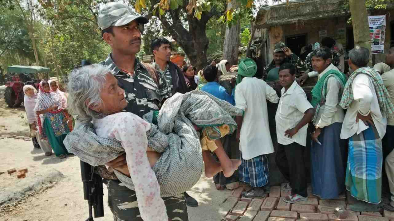CRPF personnel extending a helping hand to PwD as well as senior citizens in Gaya, Bihar. (Image: Twitter/ @Spokesperson ECI)