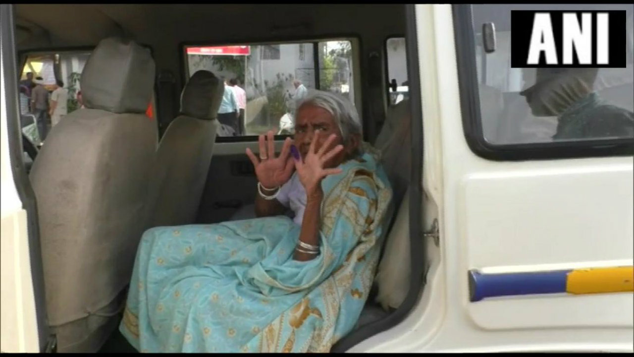 A 90-year-old woman casts her vote at a polling booth in Shahdol, Madhya Pradesh. (Image: ANI)