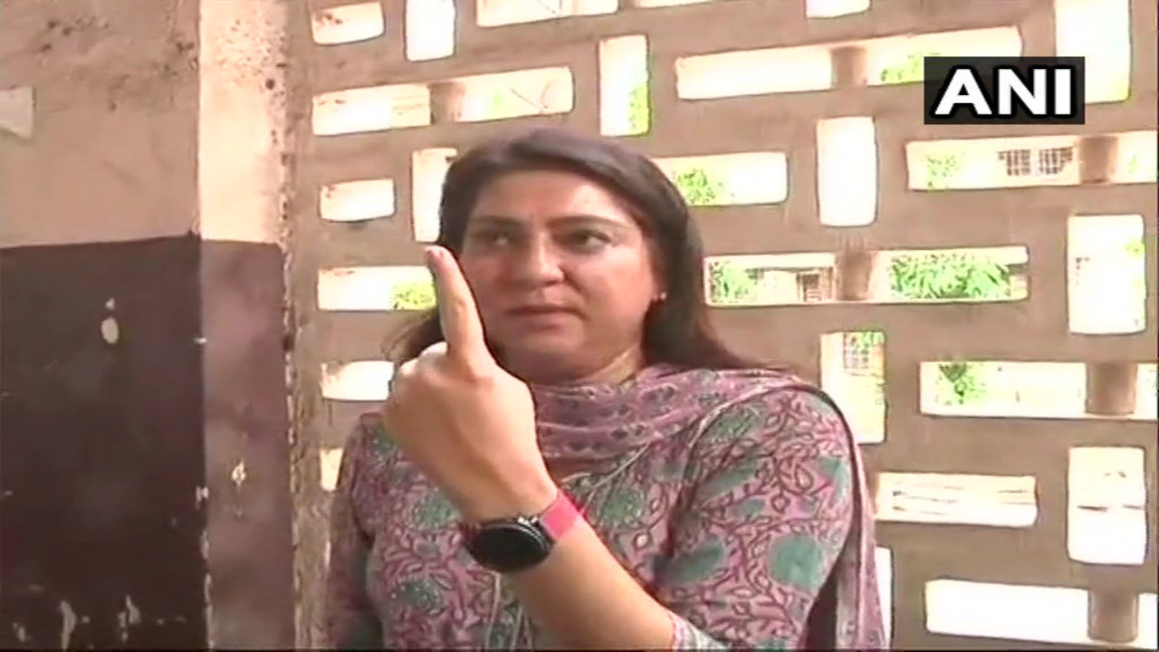 Priya Dutt after casting her vote in Bandra. She is the Congress candidate from the Mumbai North Central Lok Sabha seat. (Image: ANI)