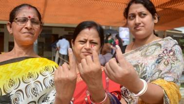 news/politics/in-poll-bound-surat-the-fear-of-change-binds-voters-3875811.html