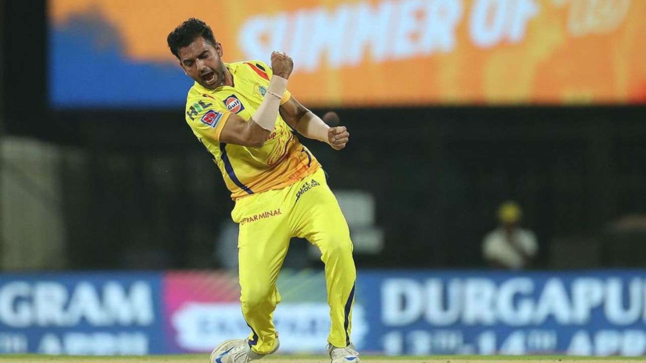 Rank 4 | Deepak Chahar (Chennai Super Kings) | Wickets: 19 | Matches: 16 | Economy rate: 7.53 (Image: BCCI, iplt20.com)