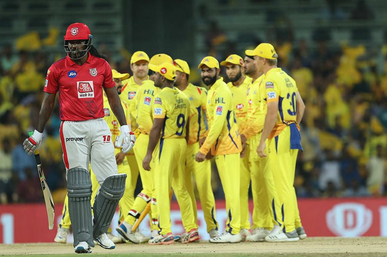 KXIP were off to a horrible start as CSK spinner Harbhajan Singh dismissed dangerous Chris Gayle and Mayank Agarwal in just the 2nd over of Punjab's innings. Gayle edged an away going delivery from Harbhajan to Dhoni while Agarwal looking for a big shot was caught by du Plessis at long-on. KXIP were reduced to 7/2.