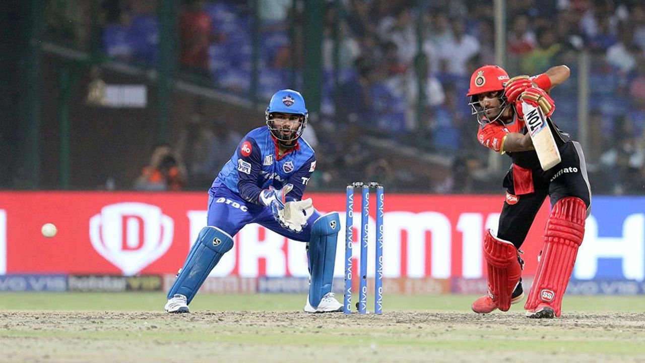 Gurkeerat Singh Mann along with Marcus Stoinis put up a 49-run stand to keep RCB's hope of chasing the total down alive. Gurkreerat however was dismissed in the 19th over thanks to a splendid catch by Pant off Ishant Sharma. RCB were 160/6 when the batsman got out.