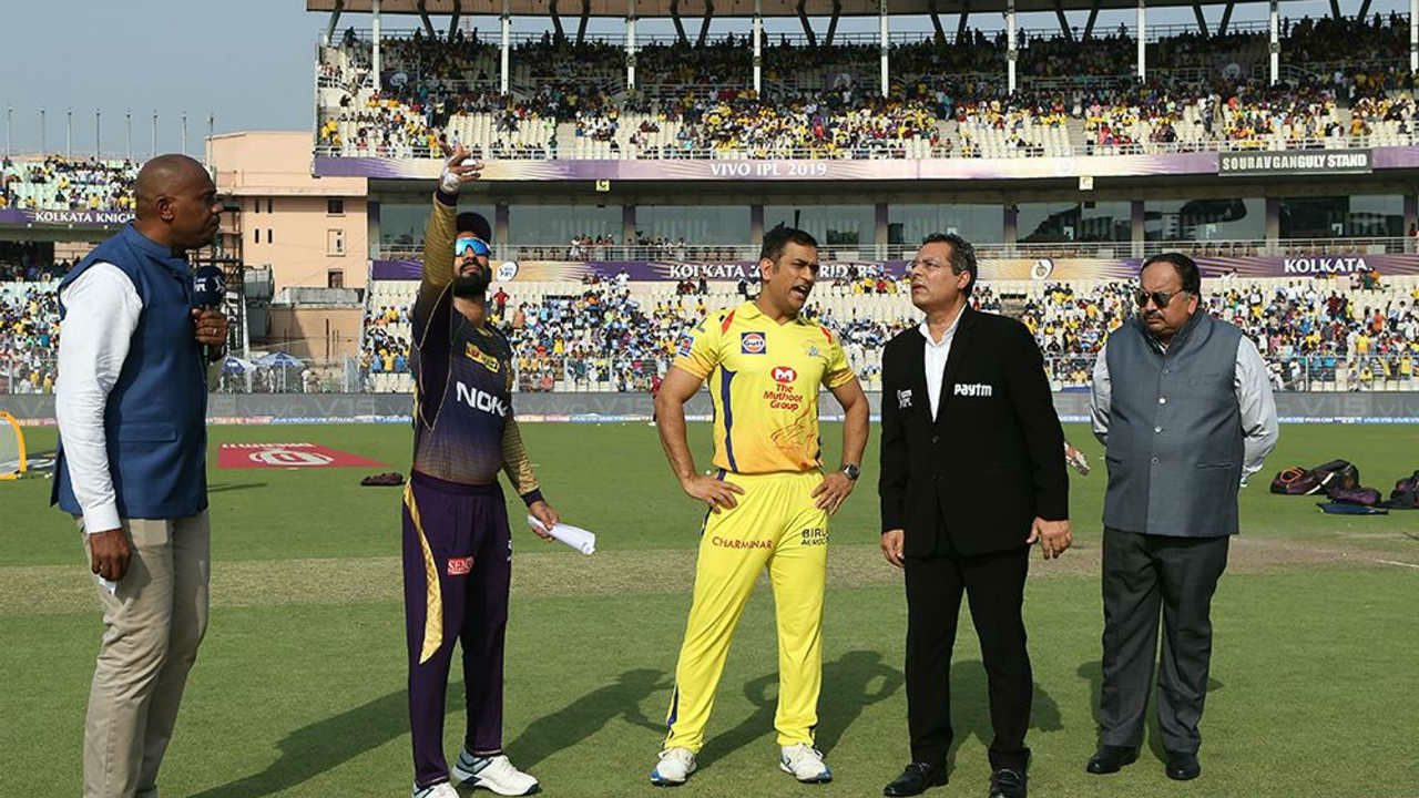 For match 29 of IPL 2019 table toppers Chennai Super Kings met second placed Kolkata Knight Riders at Eden Garden in Kolkata. CSK captain MS Dhoni won the toss and opted to bowl first. Chennai were playing an unchanged side.