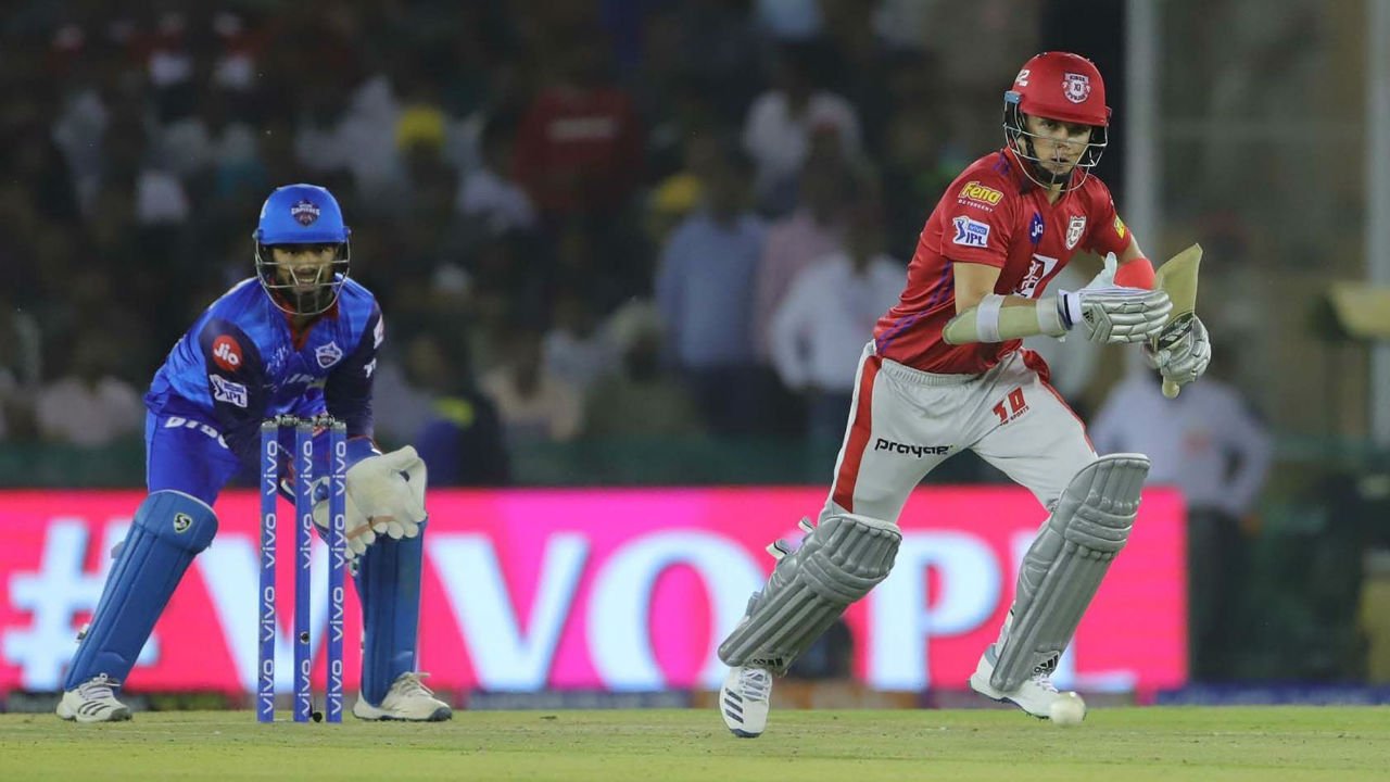 With Gayle missing out, KXIP had a new opening combination of Sam Curran and KL Rahul. Curran hit few big shots early on to help Punjab to a fast start.
