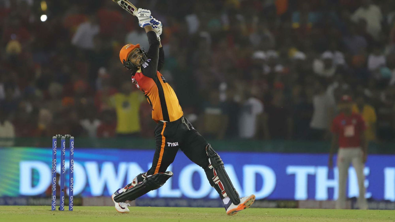 Deepak Hooda hit two 4s and a 6 off the last three balls of SRH innings to propel the team total to 150/4 in 20 overs. Warner remained unbeaten on 70.